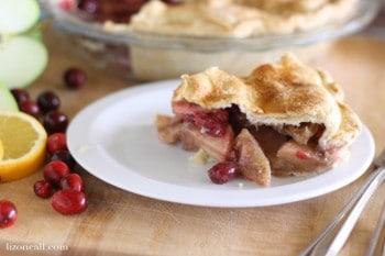 cranberry apple pie @ lizoncall.com