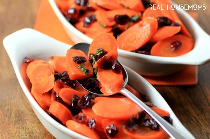 CRANBERRY SAGE CARROTS are a simple vegetable side dish that go along wonderuflly with a big, juicy turkey!
