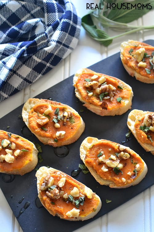 This PUMPKIN SAGE CROSTINI is the perfect holiday appetizer! It comes together quickly and is sure to satisfy your guests!