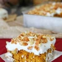 PUMPKINT TOFFE POKE CAKE is ready to give your usual pumpkin pie a run for its money!