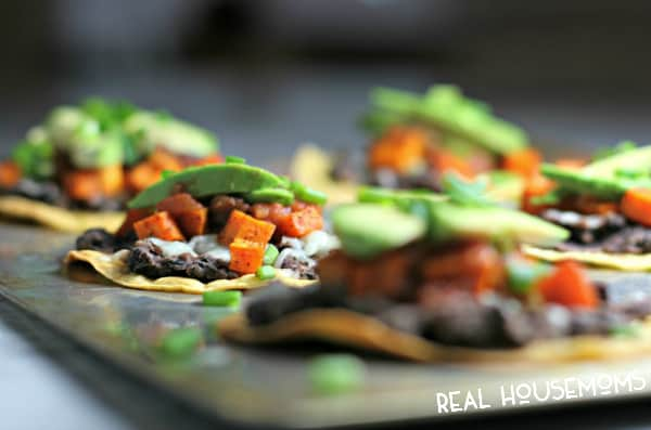 No untensils neded when you make these ROASTED SWEET POTATO TOSTADAS! They're the ultimate finger food!