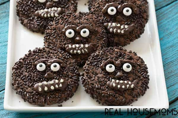 These chocolate wookie cookies are a fun and delicious treat for the Star Wars lovers in your life!