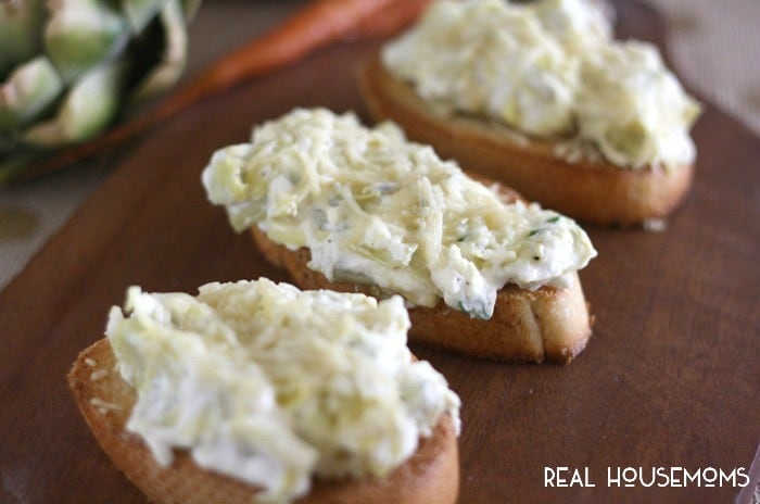 ARTICHOKE CROSTINI is a party ready bite that everyone will keep coming back for!