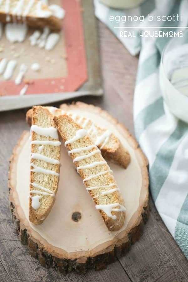 EGGNOG BISCOTTI are a crunchy, sweet cookies with a hint of nutmeg drizzled with a simple eggnog glaze!