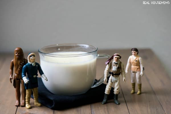 HOTH CHOCOLATE is a delicious white hot chocolate to help warm you up after patrolling Hoth, or you know, hanging Christmas lights!
