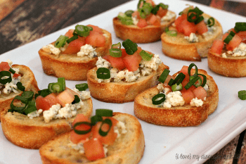 Blue Cheese Tomato Bruschetta | {o love} my disorganized life