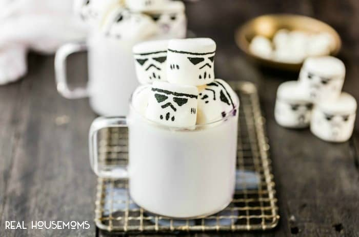 Super simple and fun STORMTROOPER MARSHMALLOWS  are the perfect hot chocolate topper for the Star Wars fans in your life!