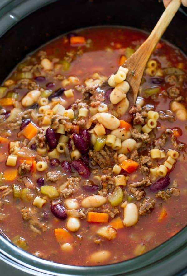 Slow Cooker Pasta e Fagioli Soup - The Recipe Critic