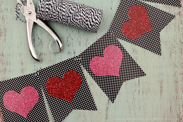 Free Valentine's Printable Banner | I Should Be Mopping The Floor
