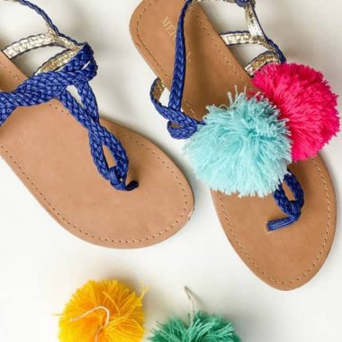 3 Ways to Wear Pom Poms