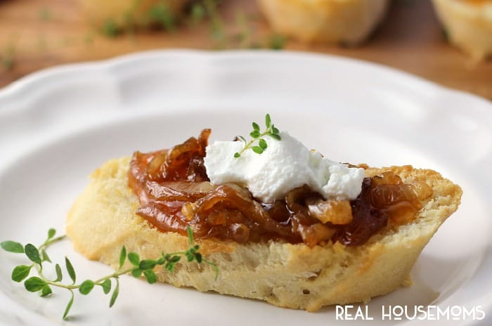 With all the holiday parties and gathering coming up, you will want to put Apricot, Goat Cheese, and Caramelized Onion Crostini on your menu! It's a simple and delicious way to entertain!