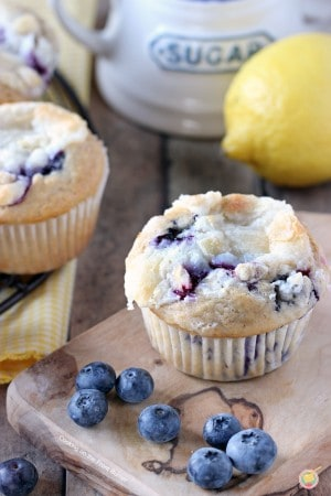 Blueberry-Lemon-Cream-Cheese-Muffins-03_RS