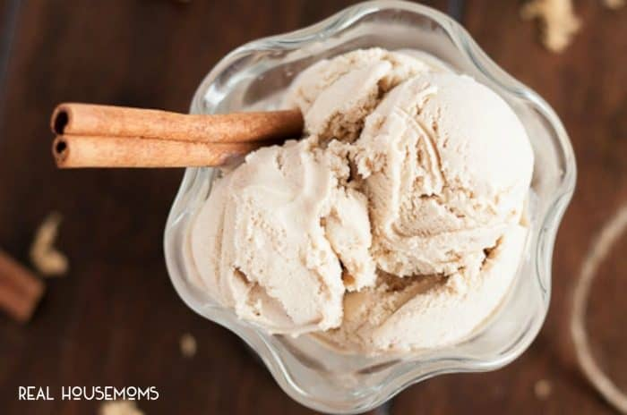 BROWN SUGAR CINNAMON ICE CREAM the perfect way to transition from Summer to Fall, and it makes a tasty accompaniment to your favorite baked goods!
