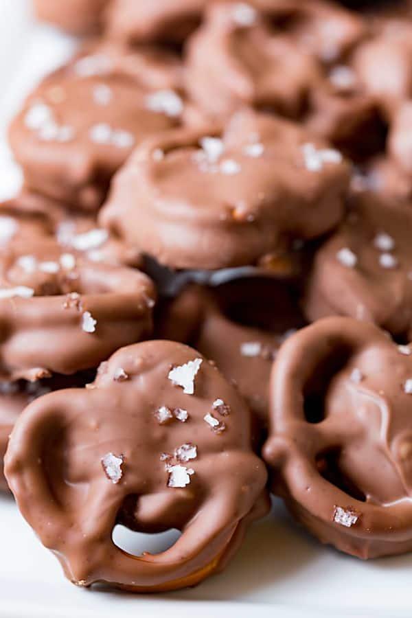 caramel-stuffed-chocolate-covered-pretzels-real-housemoms-3
