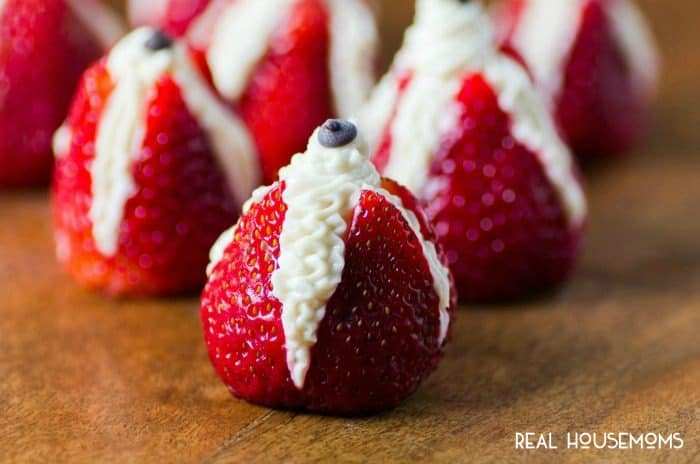 CHEESECAKE STUFFED STRAWBERRIES are an easy and delicious way to celebrate the summer season!