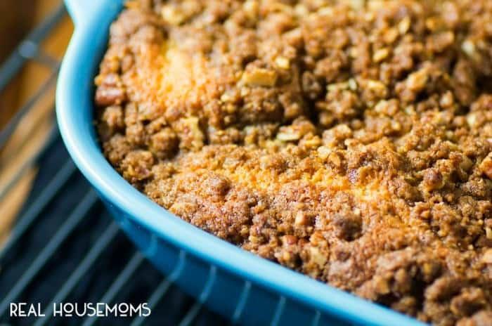 CINNAMON ROLL COFFEE CAKE is breakfast mash-up that's so good you'll want it for dessert too!