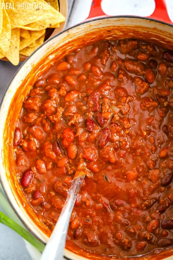 large pot of 30 minute chili with a ladle