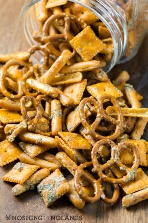 crowd-pleasing-party-snack-mix-2-custom-custom