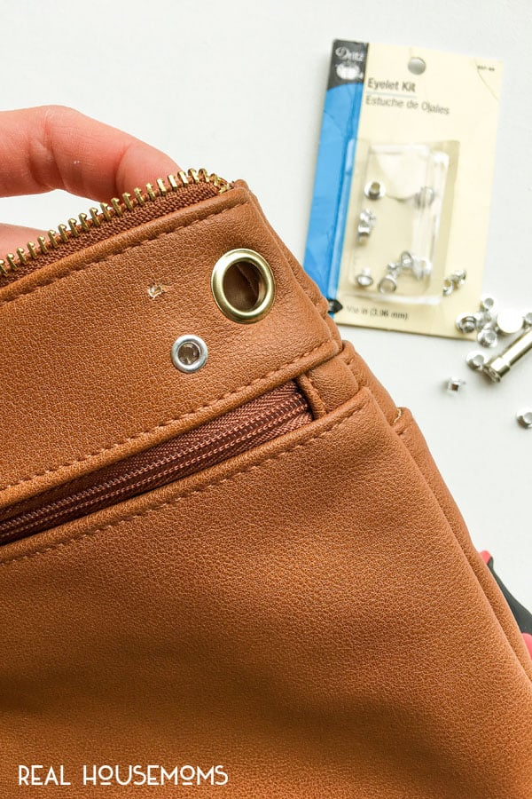"For women on the go, this DIY Belt Bag is so easy to recreate and it's currently the ""it accessory"" to own this spring season!"