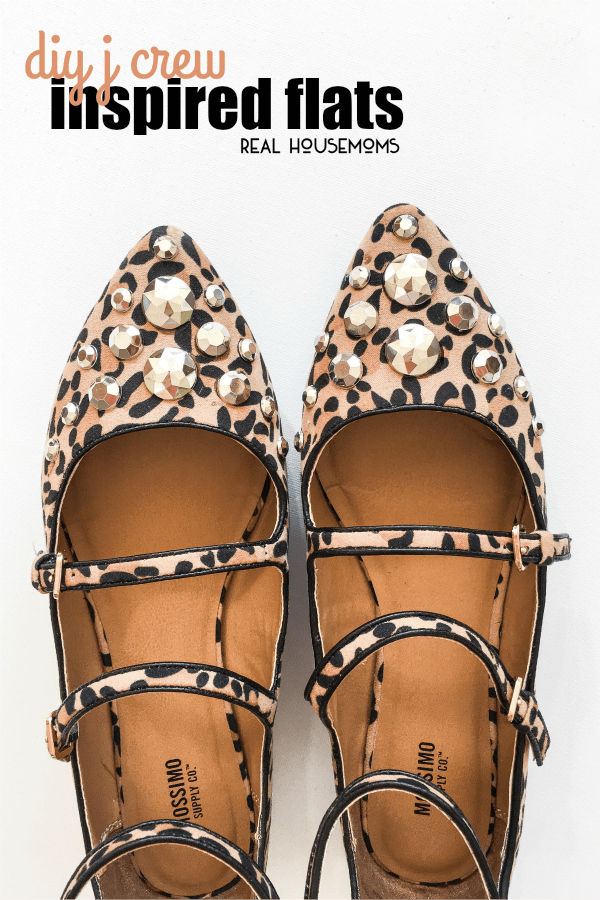 What do you love more? Rhinestones or classic J Crew? What if I said you can have BOTH? The answer is easy with these easy DIY J Crew Inspired Flats!