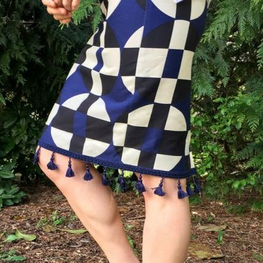 Need an easy project for summer? I have an easy DIY Anthro Inspired Skirt that will take less than 5 minutes and it will not make a dent on your summer budget!