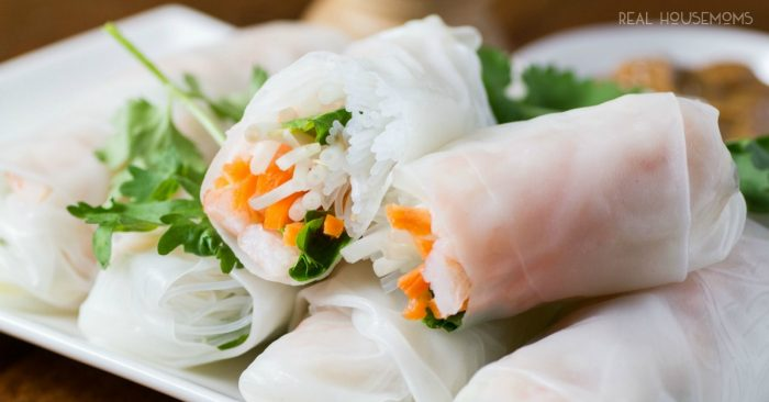 FRESH VIETNAMESE SUMMER ROLLS are made with healthy, light ingredients for the perfect summer appetizer!