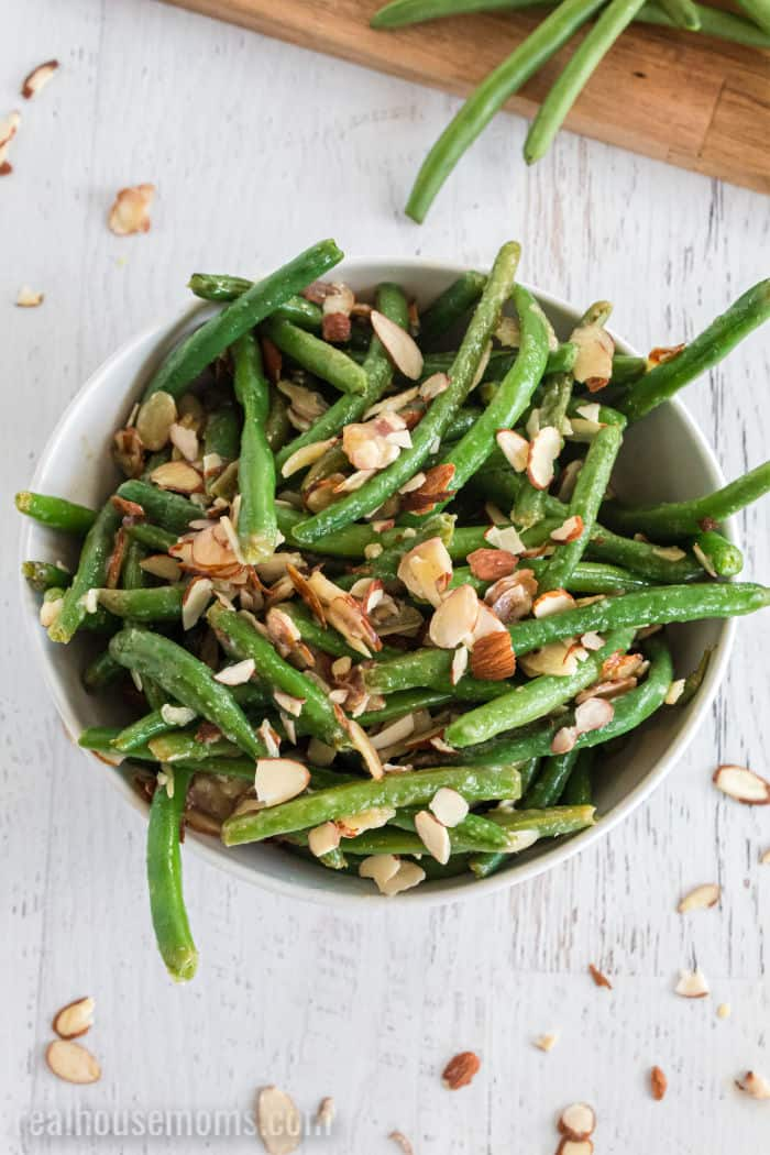 green bean with almonds in a serving bowl