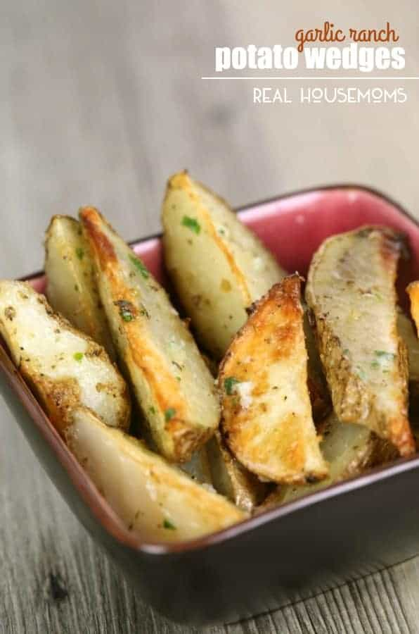 These GARLIC RANCH POTATO WEDGES are a great side dish for so many meals!