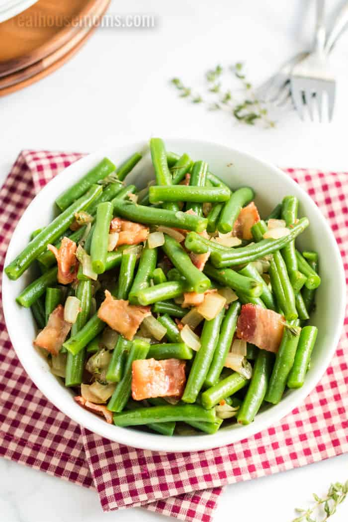 serving bowl of green beans