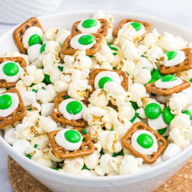 Your kids will eat it here or there, your kids will eat Green Eggs and Ham Snack Mix ANYWHERE! Dr. Seuss lovers will adore this salty and sweet snack!
