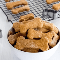Check out these easy homemade dog treats with whole wheat apple sauce and peanut butter! The best healthy treats to reward your favorite furry friend!