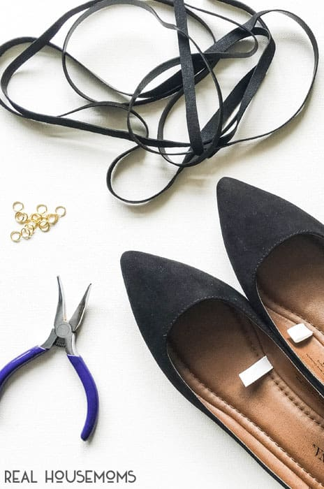 With spring in full bloom, I'm ditching my winter boots and heavy socks and trading them in for lightweight flats and sandals, especially for these DIY LACED FLATS!