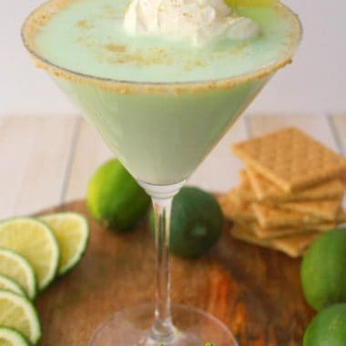 If you love the classic Key Lime Pie dessert, then this cocktail is definitely for you! Made with whipped cream vodka, Rum Chata and a few other goodies, this fantastic Key Lime Pie Cocktail is amazing!