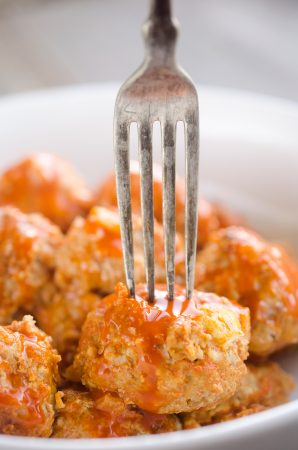 light-crock-pot-buffalo-turkey-meatballs-the-creative-bite-5-copy