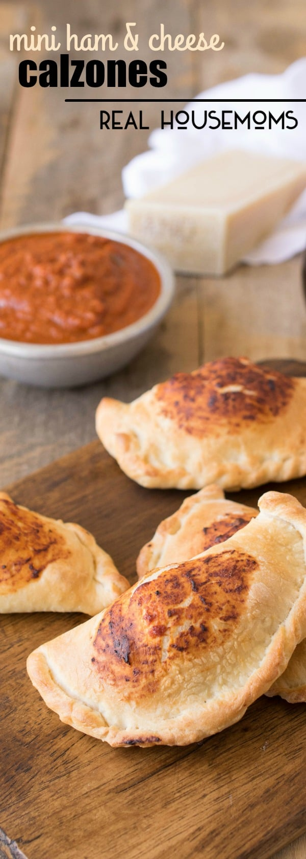 MINI HAM & CHEESE CALZONES are an easy to make dinner give pizza night a whole new meaning for kids and adults!