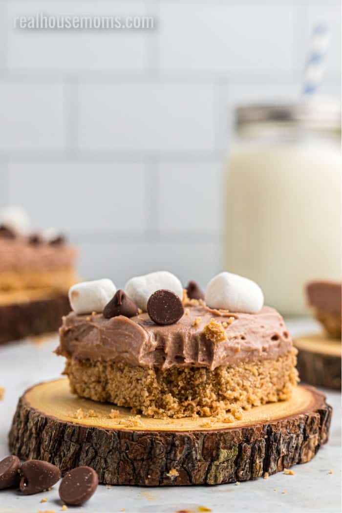 s'more cheesecake bar with a bite take out