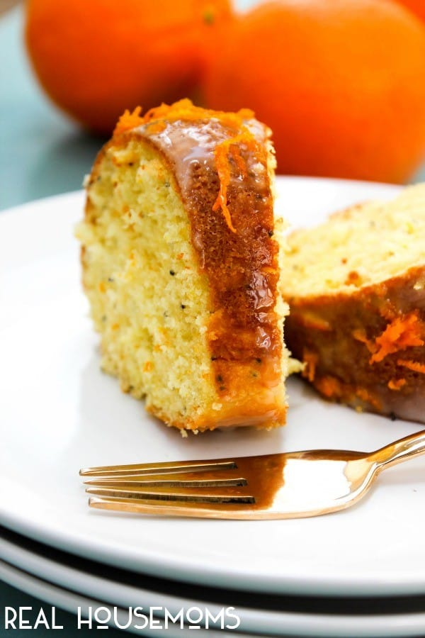 ORANGE SOUR CREAM POPPY SEED POUND CAKE is the perfect cake to welcome the warm weather!
