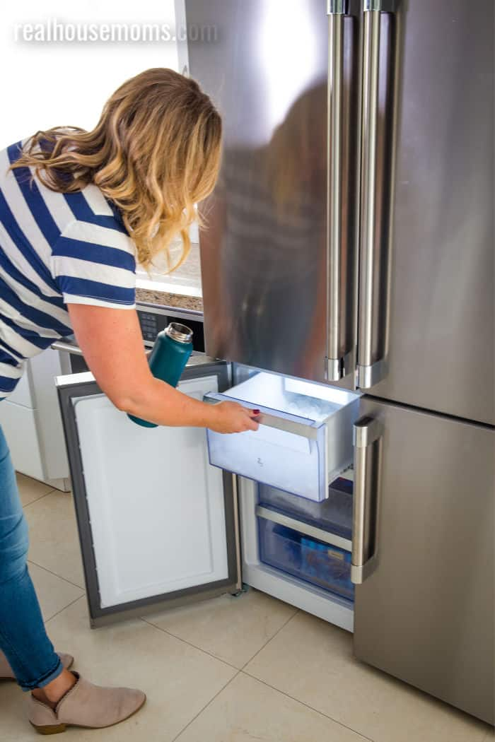 Beko refrigerator ice maker drawer feature