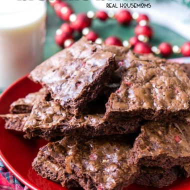 This Peppermint Brownie Brittle is a fun chocolate dessert for the holidays! Thin and crispy brownie is loaded with chocolate and peppermint chips for festive flavor and a great cookie exchange treat!