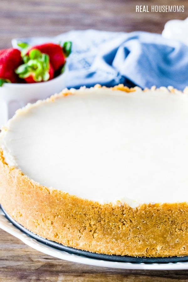 no bake cheese cake filing in a graham cracker crust