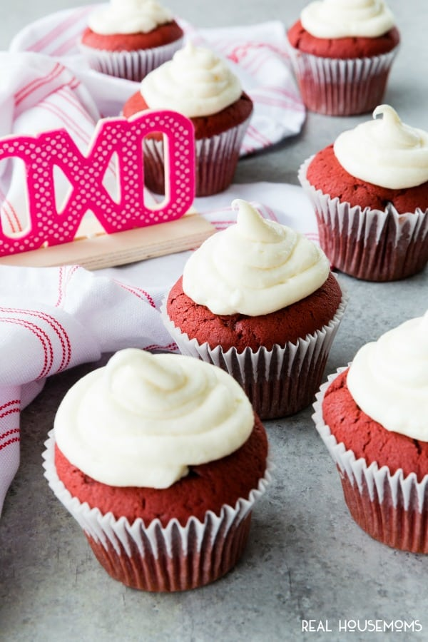 red velvet cupcakes on a valentines table