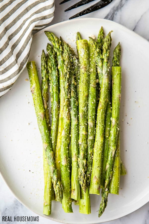 roasted asparagus on a plate