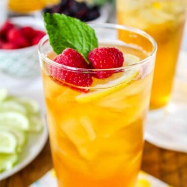 Perfect for summer, this Simple Iced Tea Bar is simple & fun for entertaining guests. Using black tea, add some mix-ins like fruit or herbs to create a delicious variety of flavors with your tea!