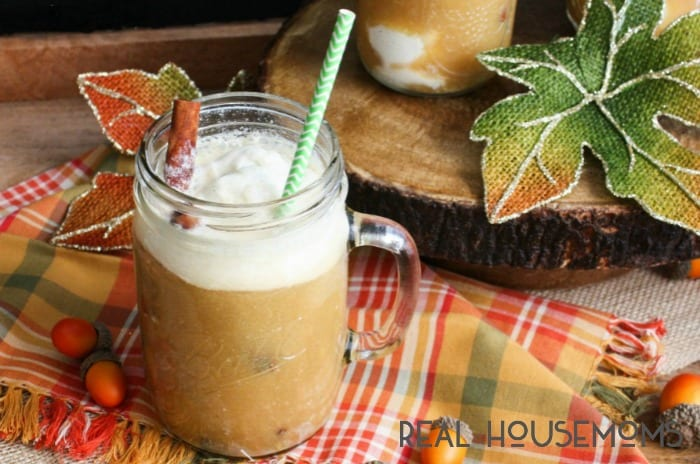 These SPICED APPLE CIDER FLOATS have all of the flavors of fall poured over vanilla ice cream!