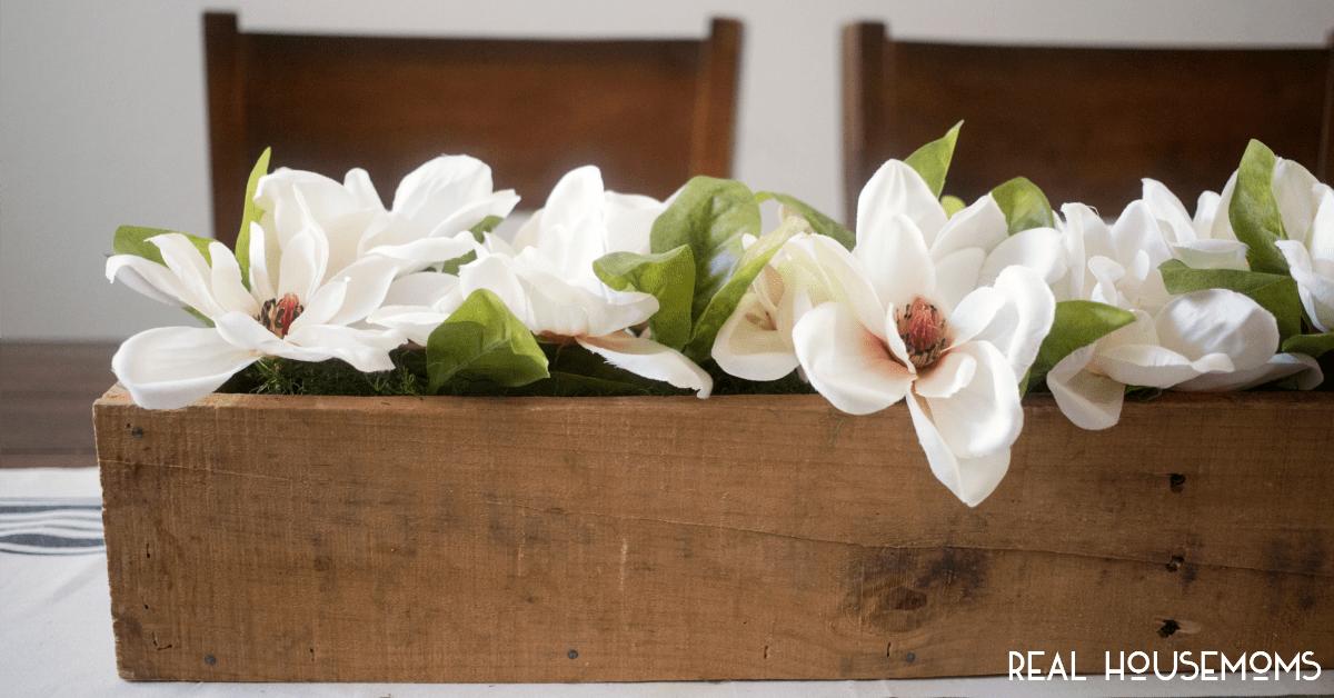 Spring magnolia centerpiece ⋆ real housemoms