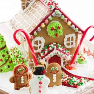 The BEST Gingerbread Icing