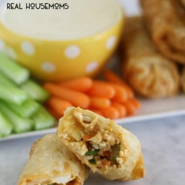 Enjoy all the classic flavors of your favorite buffalo chicken wings in these BUFFALO CHICKEN EGG ROLLS!