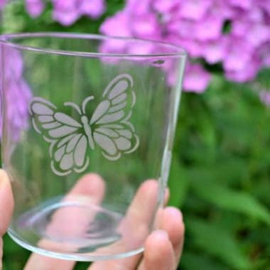 Create your own custom ETCHED GLASS piece with our easy tutorial! This project is great for crafting newbies to veterans alike!