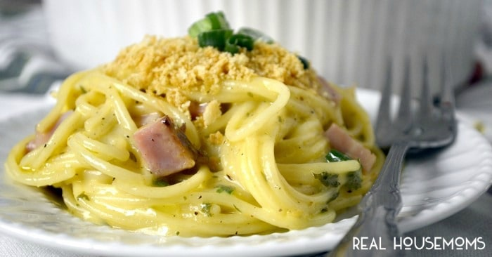 Turn your leftover holiday ham into this EASY HAM TETRAZZINI! It's a delicious weeknight meal you'll want to make again and again!