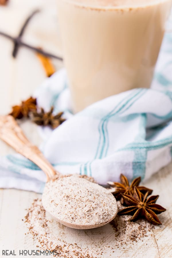 This Homemade Vanilla Chai Mix is an easy way to enjoy your favorite latte right at home! Just add steamed or hot milk!